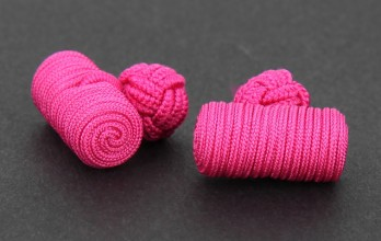 Fuchsia barrel silk knots - Bali