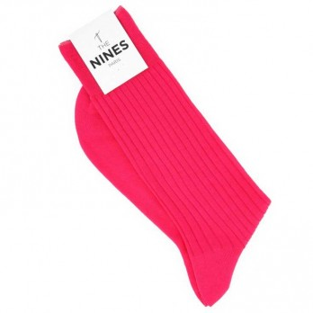 Scottish lisle thread socks in fuchsia