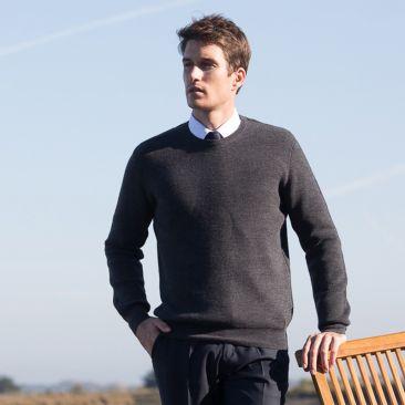 Textured grey merino wool round collar jumper