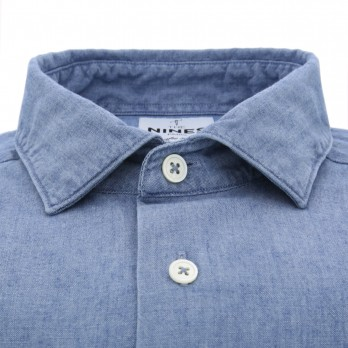 Blue shark collar shirt in chambray