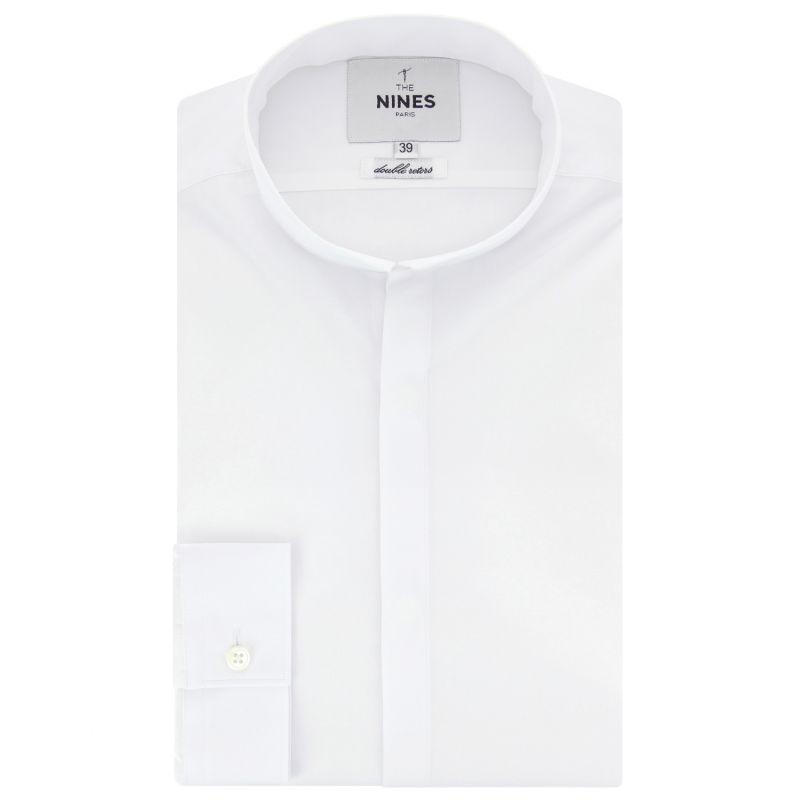 White reverse collar shirt