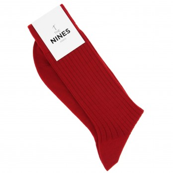Cardinal red socks made of new wool