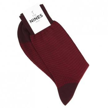 Burgundy cotton lisle socks with red houndstooth pattern