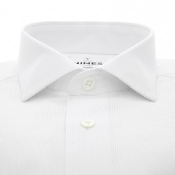 White shark collar shirt with French cuffs and ribbed effect