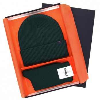 Winter gift set - Dark green wool beanie and cashmere socks