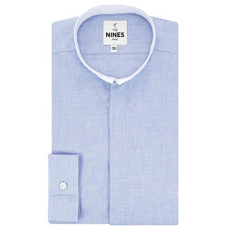 Reverse collar shirt with light blue houndstooth pattern