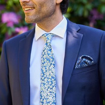 Blue pocket square with paisley patterns