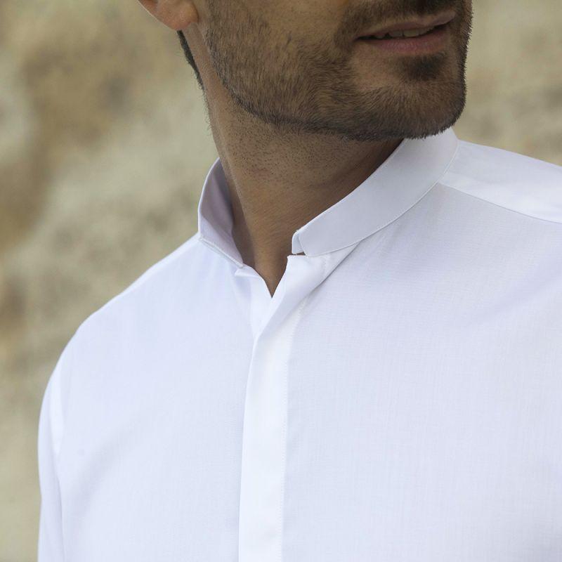 Reverse collar shirt in white oxford