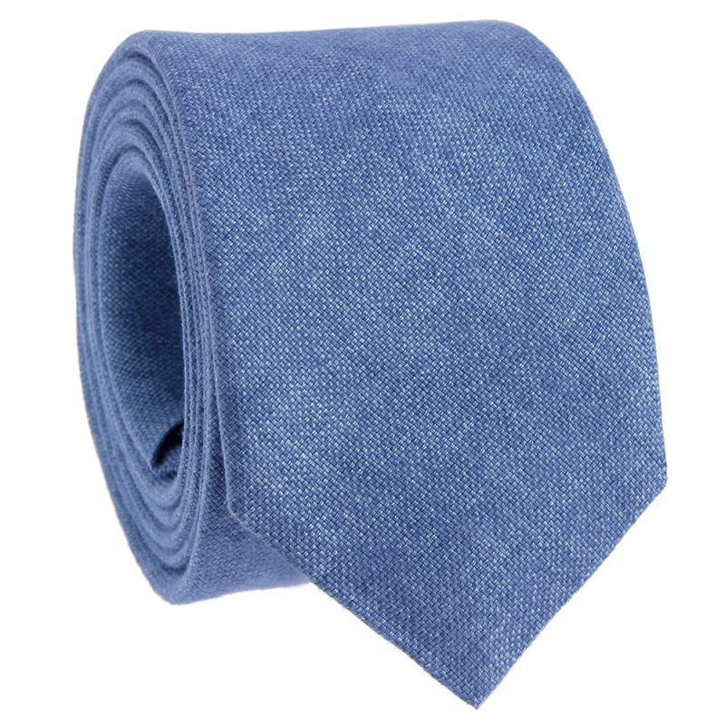Light blue tie in linen