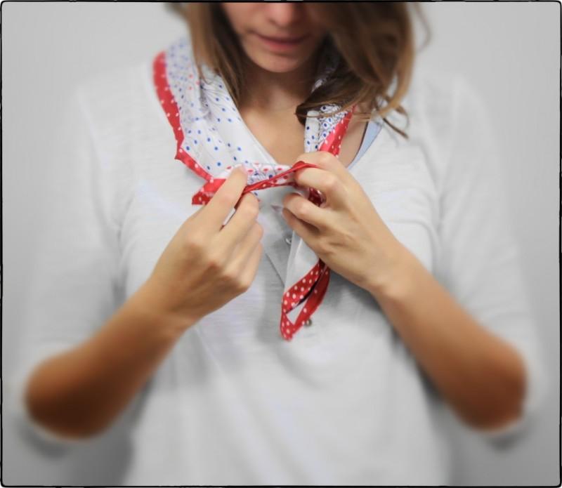 Petit carré de soie blanc à motifs pissenlits - Amy