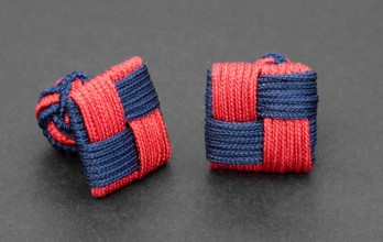 Navy blue/red Square silk knots - Manila